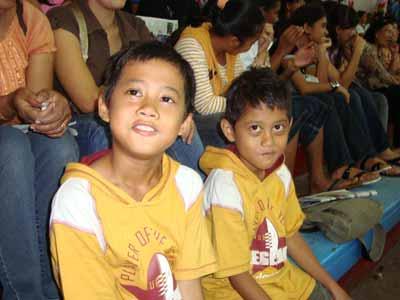 Pendukung Setia TB (walau harus bolos sekolah...)